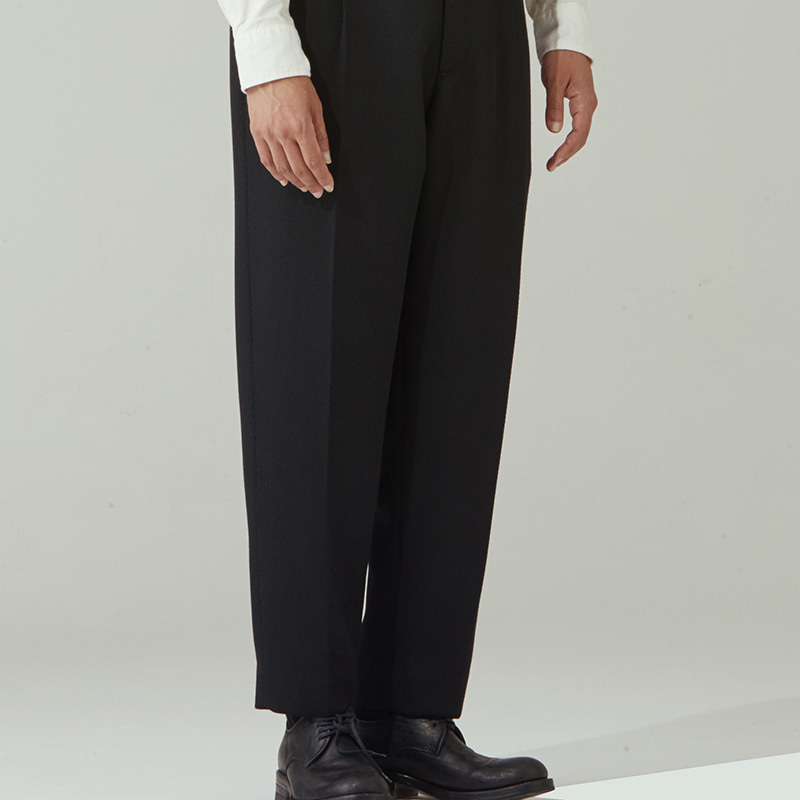 One-tuck regular pants_Twill Black