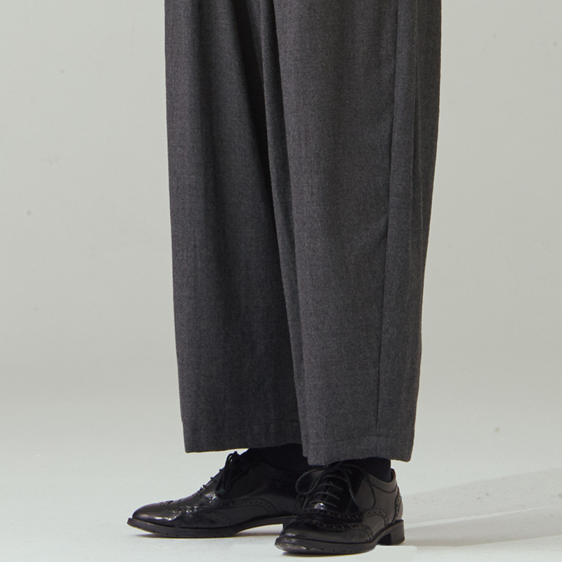 Banding string pants(zipper)_Chacoal