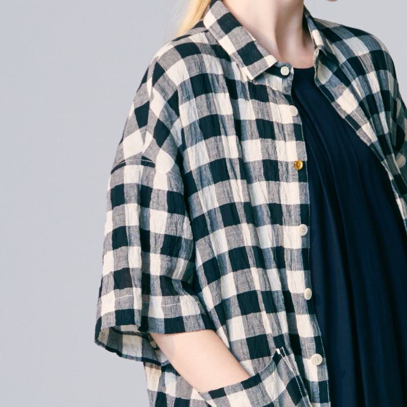 Basic collar back pleats shirts_Black Check