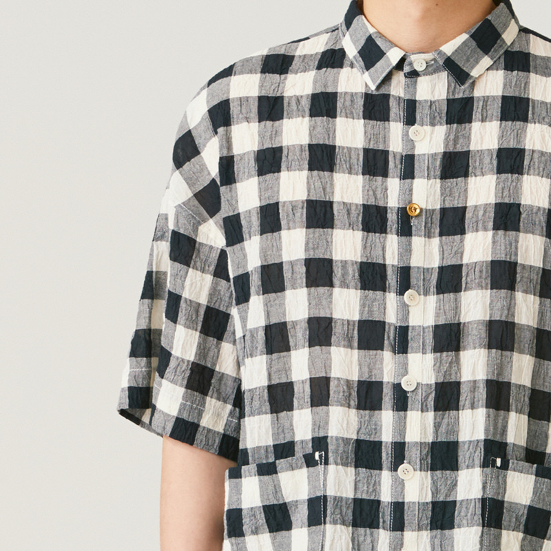Basic collar back pleats shirts_Check