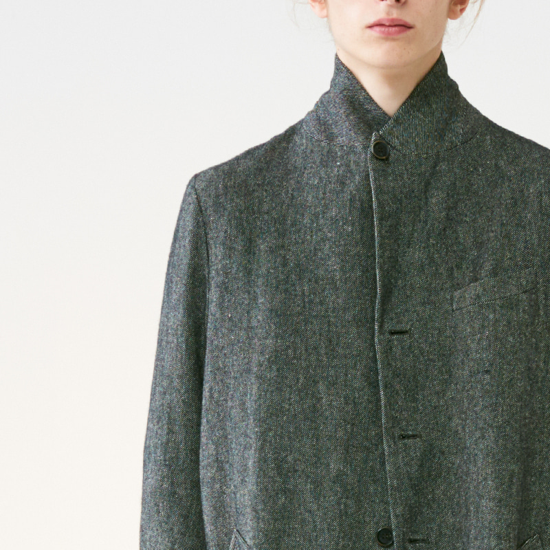 Peaked collar single long coat_Black