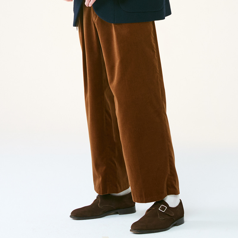 One-tuck regular pants_Brown