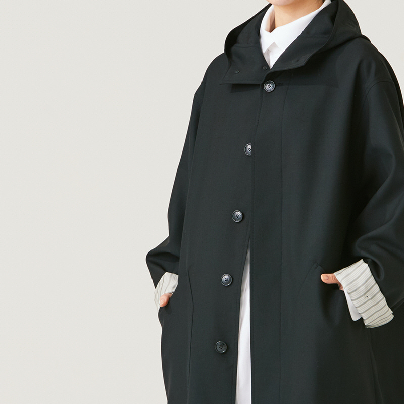 Inverted pleats hoodie Coat_Black
